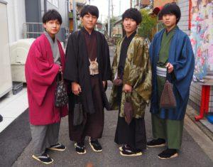男子学生の着物姿
