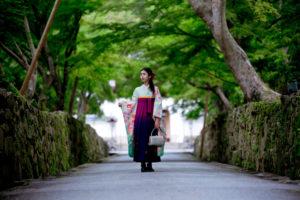 宇治にて振袖に袴のコーディネートで撮影