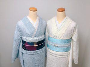 アイボリーとグレーのレース着物に濃いめの帯を合わせたコーデ
